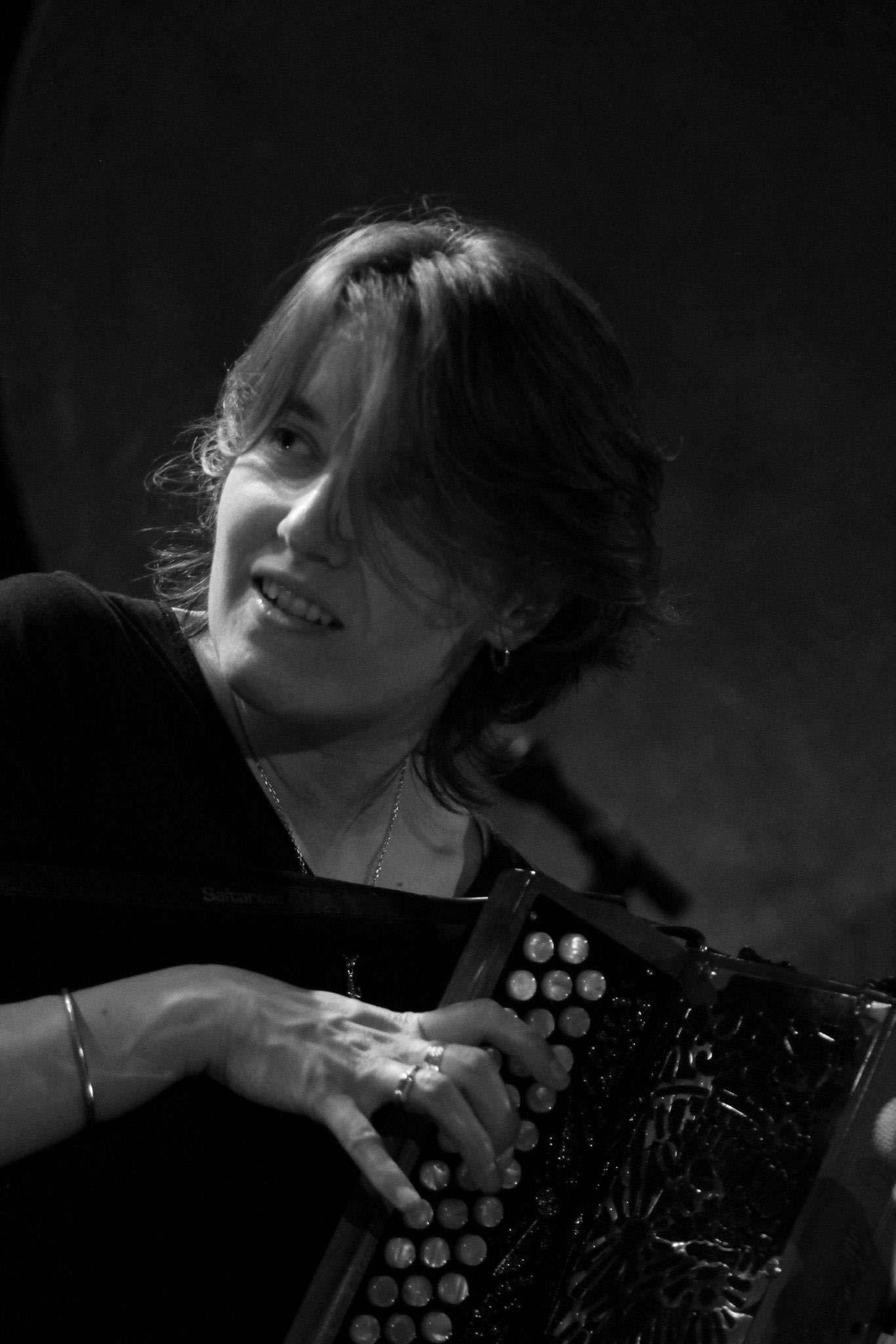 Fanny Voillot - le repair de l'accordeon (© Pascale de Villeboeuf)