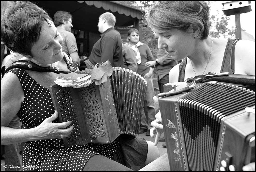 Rencontre Musicale Au Salon De L Accordeon a Paris © Gerard Lavalette